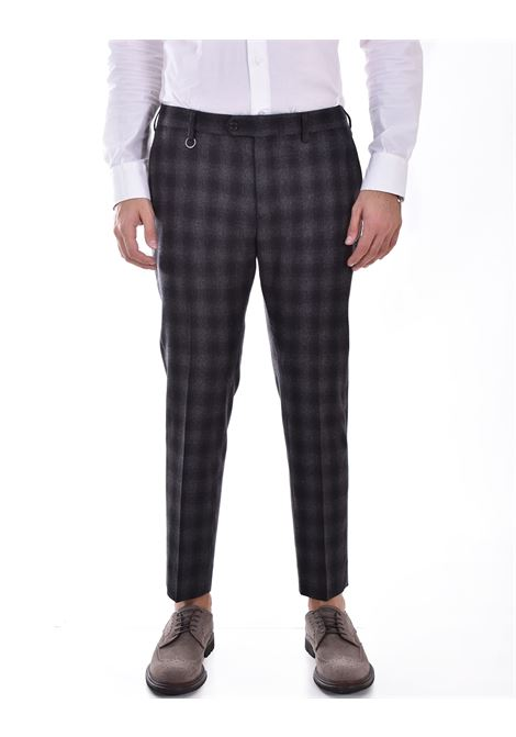 Be Able Alexander square shorter trousers BE ABLE | WL3299