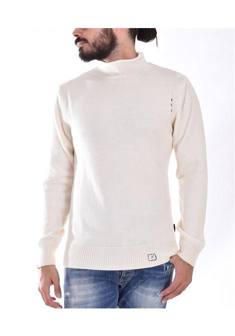 BoB white cut neck sweater BOB | RENT01