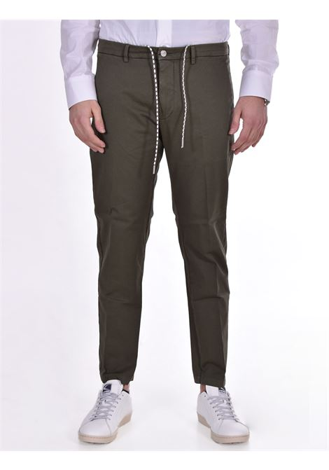 Be Able Mike shorter green trousers BE ABLE | Trousers | GS20