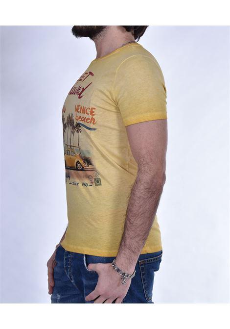 BoB photos yellow beetle t-shirt BOB   T-shirts   PHOTO14