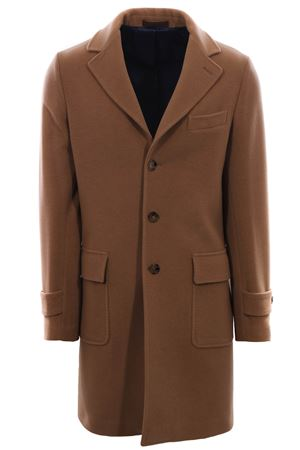 Coat with three buttons
