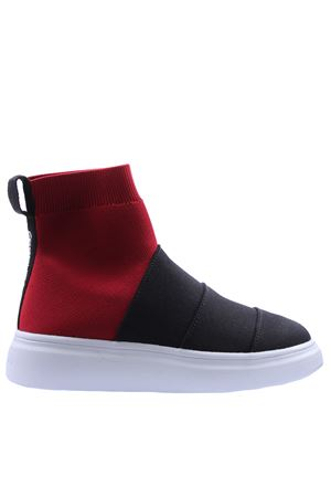 Slip on with band