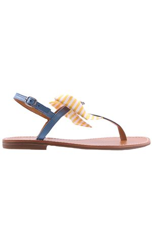 Flip flops with bow