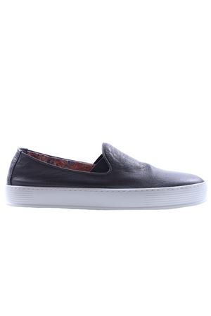 Slip on with elastic