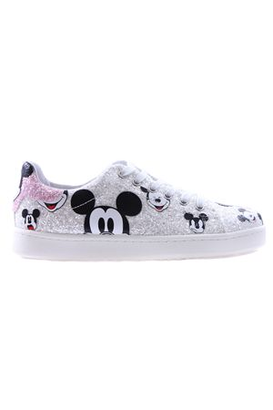 Sneakers with sequins