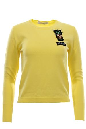 Crew neck with applications