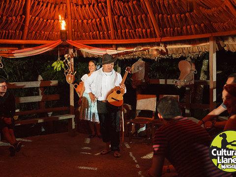 Show Noche de Cultura Llanera