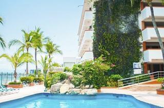 Centro de Puerto Vallarta pero ¿dónde me quedo? Hospédate en El Pescador