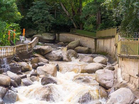 Hostería Río Escondido