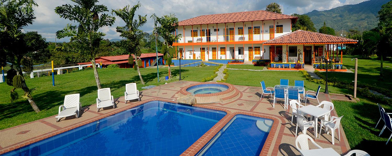 Finca hotel la rivera en el eje cafetero turismo quind o for Follando en la piscina del hotel