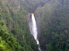 Ruta a los parques de isnos y cascadas naturales