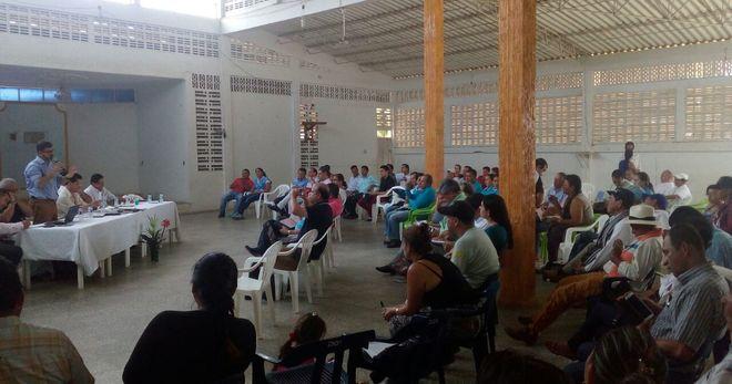 Confetur  - Conversatorio  sobre turismo en  Mesetas