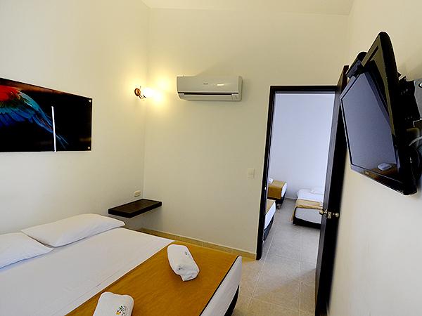 Habitaci n est ndar qu ntuple en hotel duranta for Habitacion quintuple