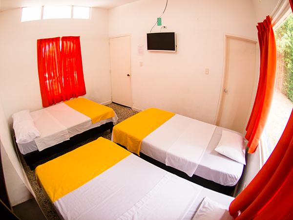 Habitaci n est ndar cu druple en hotel casa de campo pe alisa for Habitacion cuadruple