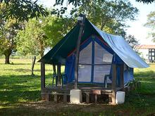 Camping - Carpa TEndida 4 Personas en Sombra
