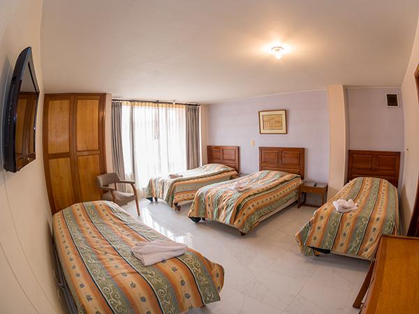 Habitaci n cu druple en hotel zuhe for Habitacion cuadruple