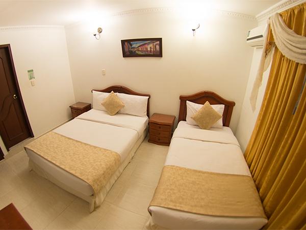 Habitaci n familiar ventilador sis n hotel la perla llanera for Habitacion familiar hotel
