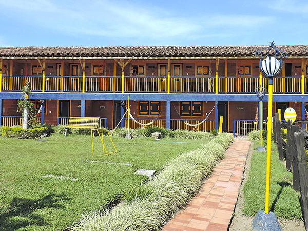 Hotel quindio campestre en montenegro for Modelos de fincas campestres