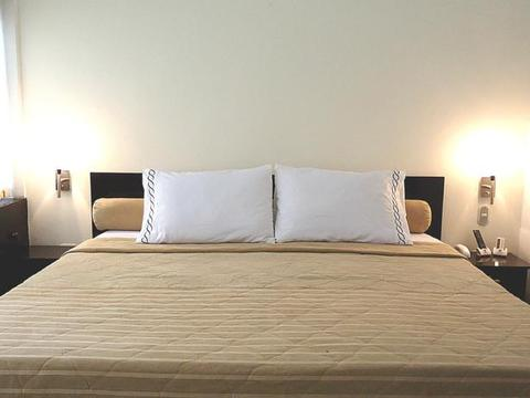 Granada Inn Hotel
