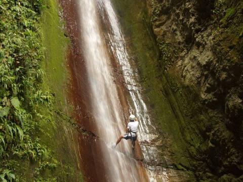 Rappel en La Cascada El Paraíso