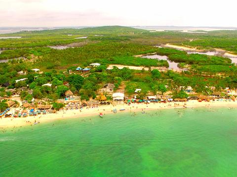Pasadía en Bomba Beach