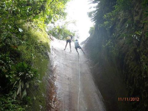 Torrentismo en Cascada El Paraíso