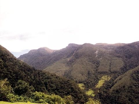 Recorridos Por La Alta Montaña