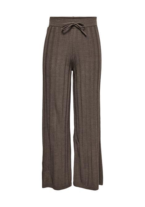 Pantaloni donna ampi in maglina a canaletti ONLY | NEWTESSA-15236375002