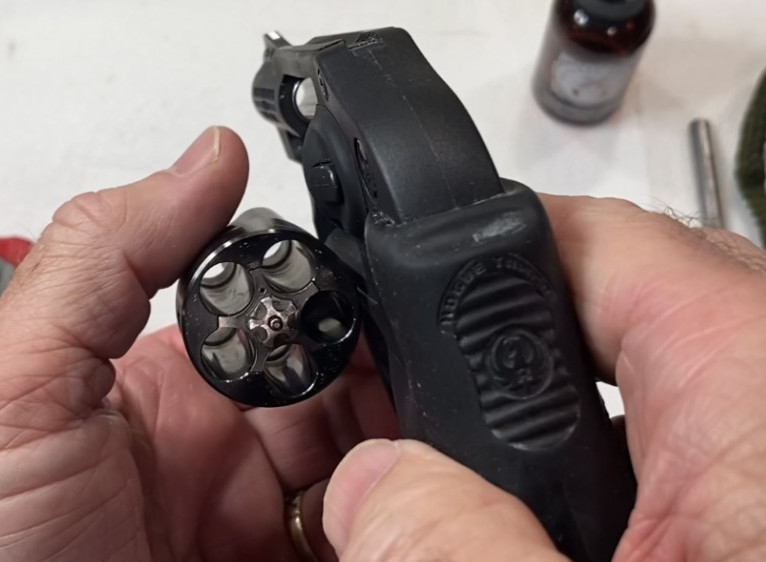 Unload the Ruger LCR