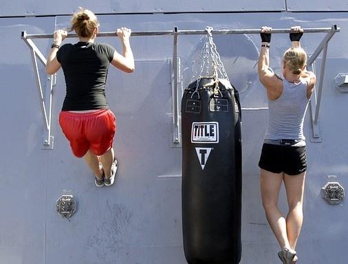 women doing pull ups