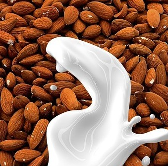 Almond-Milk-What-Is-Almond-Milk-Is-Made-Of