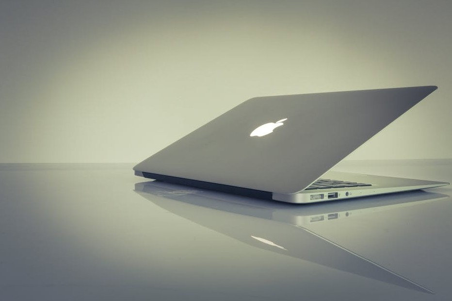 Profitable Online Businesses To Start on an apple laptop