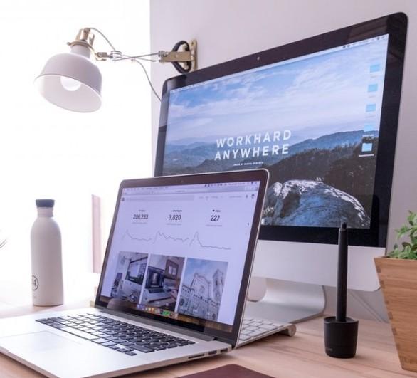 Laptop, PC monitor