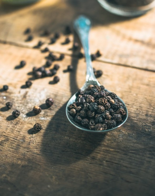 Piperine Is Great For Improving Absorption Of Many Various Substances, like Beta-Carotene and Curcuminoids But There Is Nothing Known Of Similar Effects When It Comes To Beta Hydroxybutyrate