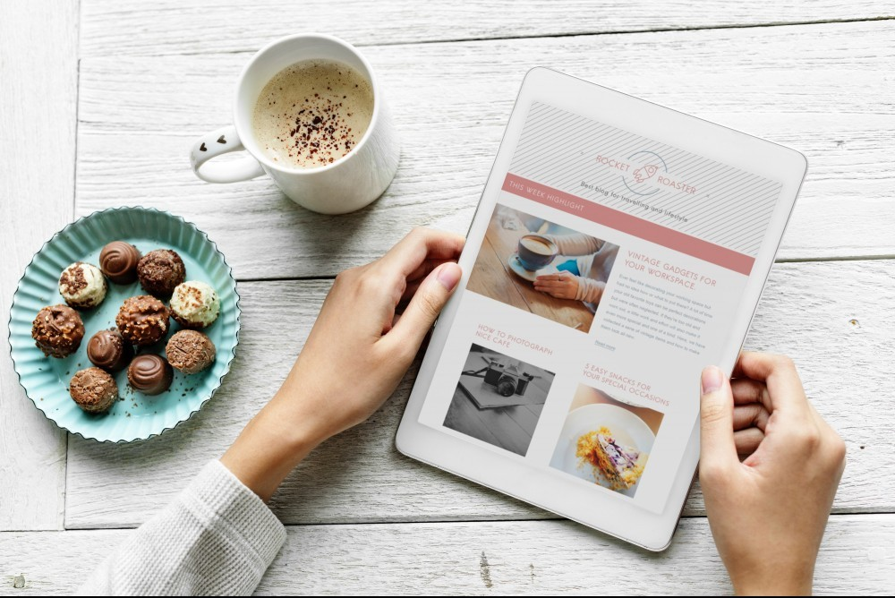 Article Tablet Blogging Coffee Chocolates