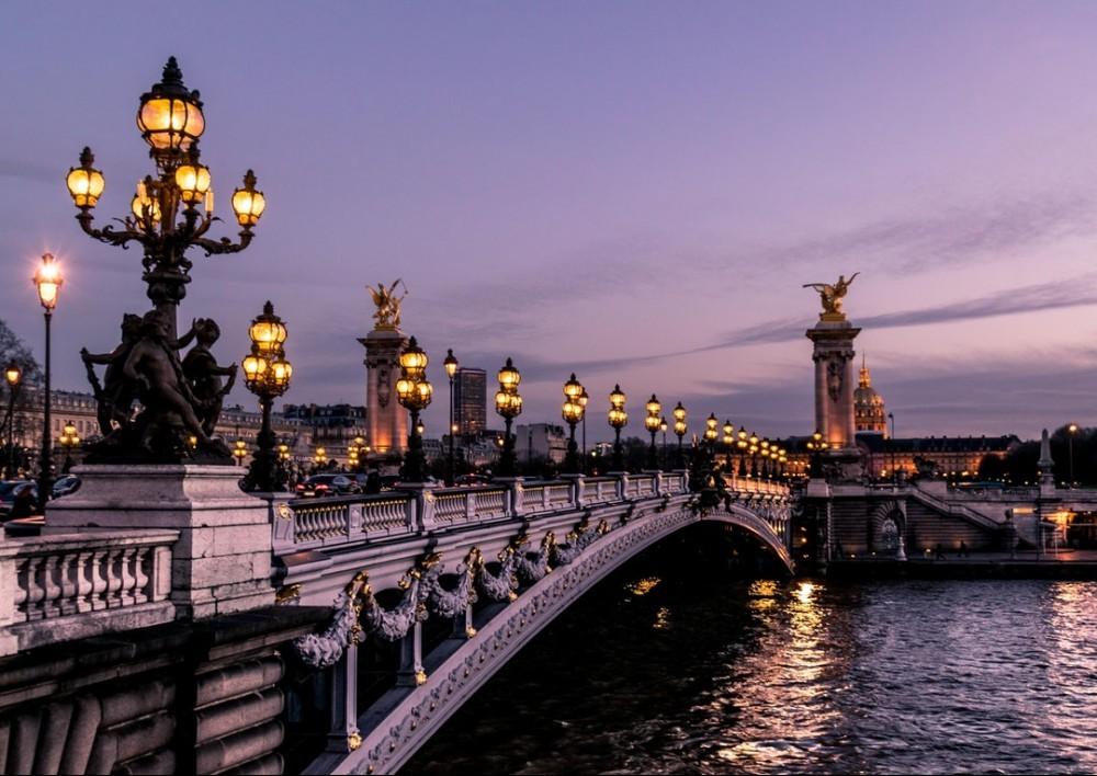 bridge over the river seine