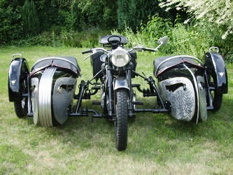 Double Sidecar Combination