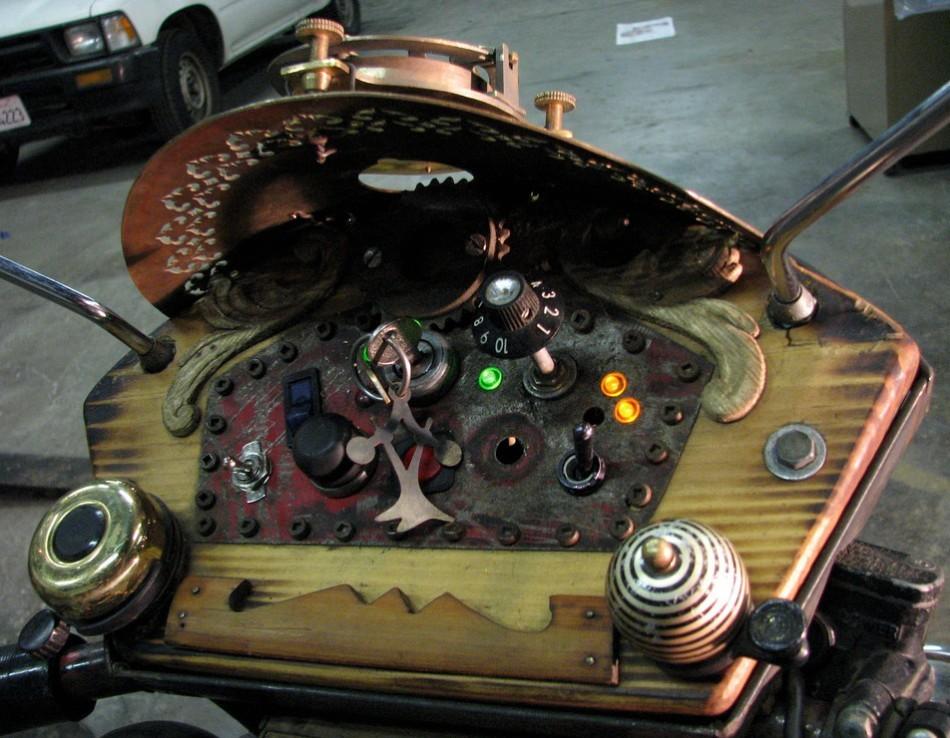 Whirlygig Emoto Steampunk Motorbike