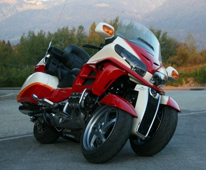 Tilting Goldwing Reverse Trike