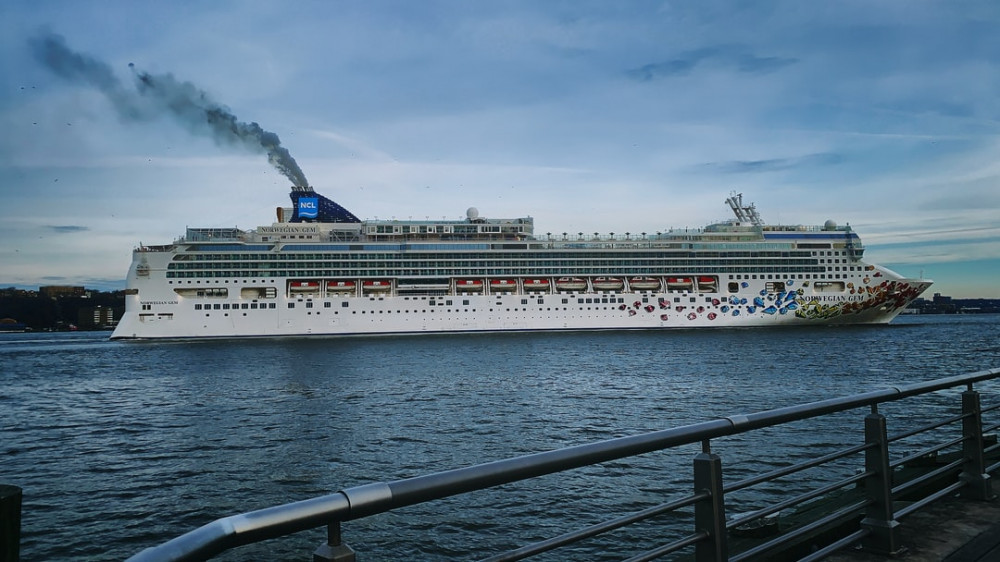 40 best cruise tips and tricks