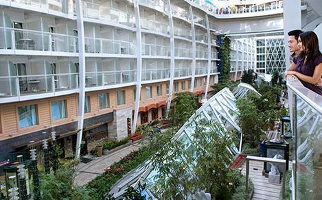 Oasis class balcony interior