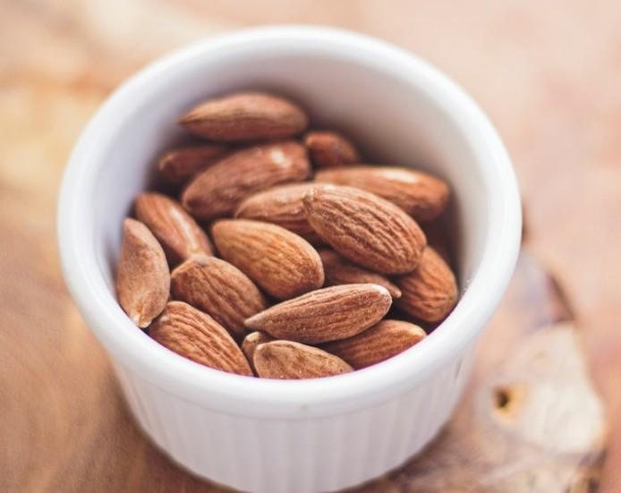 almonds burn calories