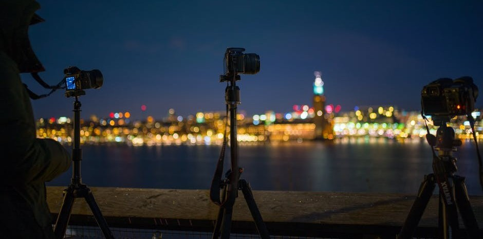 Use tripod for night photography