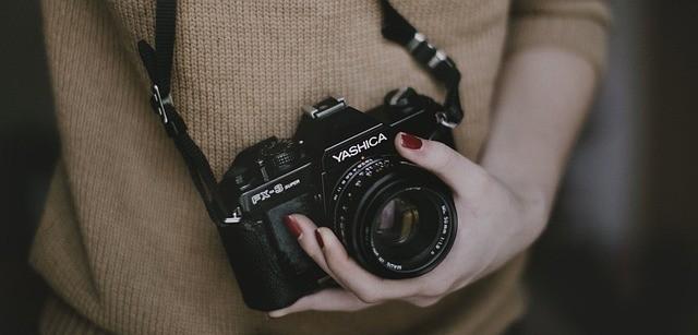 Secure camera strap