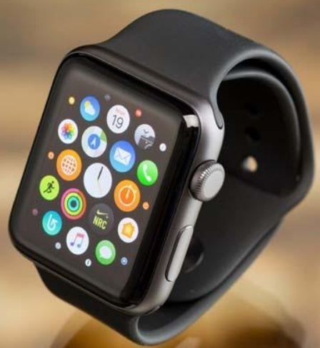 Apple Watch 2 Series (Credit: PCMag)