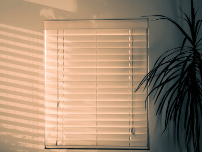Blinds Reduce Electricity in Summer