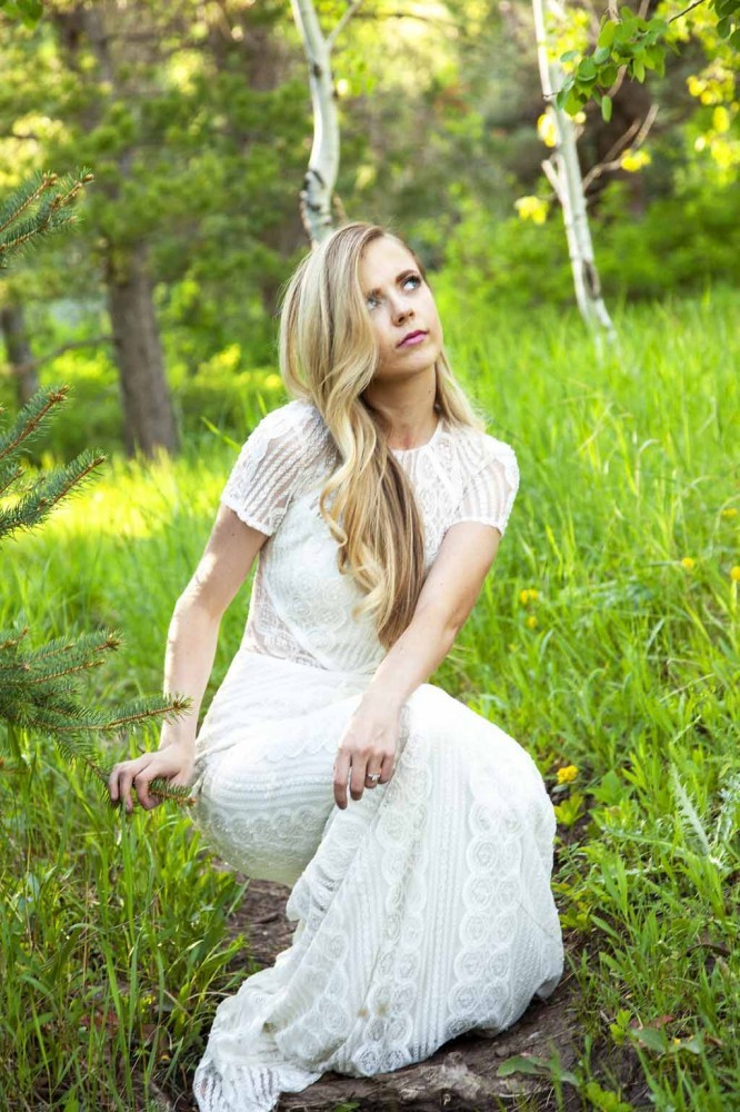 Bridal Portrait Poses: Tibble Fork Reservoir
