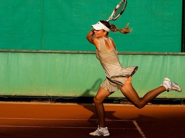 becoming an expert tennis player