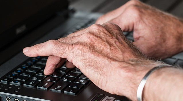 Online income for seniors