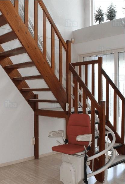 Stairwell elevator chair